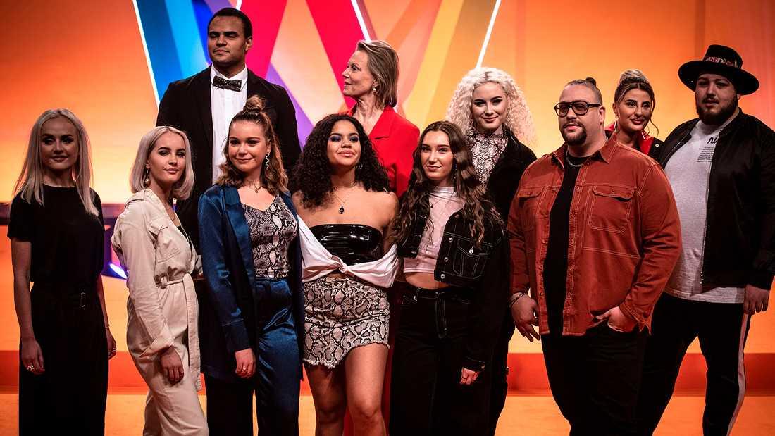 Deltagarna i Melodifestivalens första deltävling i Göteborg: High 15, Mohombi, Arja Saijonmaa, Wiktoria, Nano och Zeana feat. Anis Don Demina. Anna Bergendahl saknas på bilden.