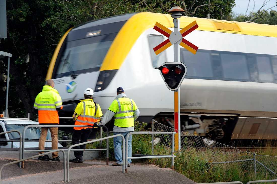 Bild från tågolyckan 2010, då två 18-åriga kvinnor dog vid samma järnvägsövergång.