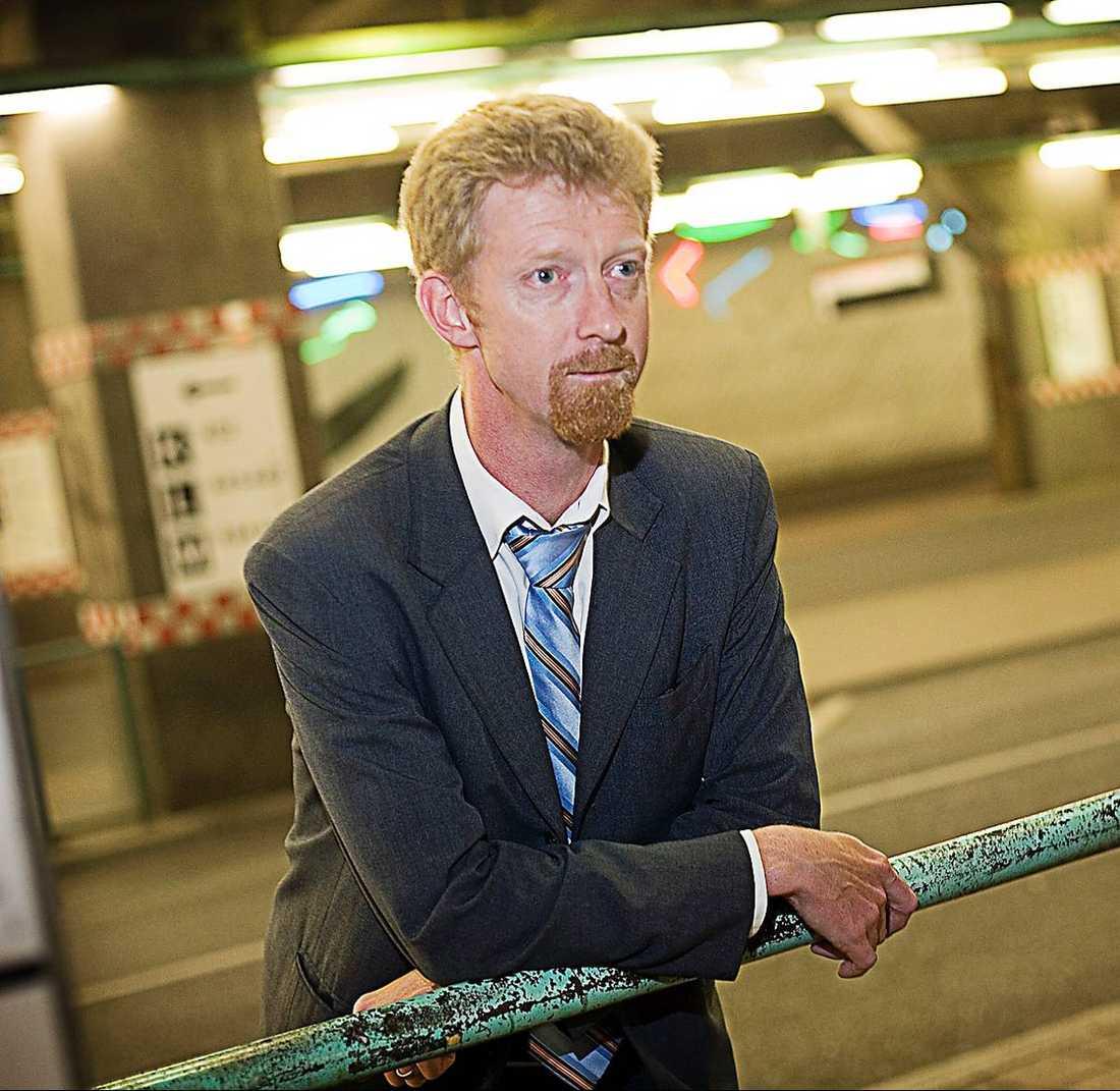 Janne Larsson, 45 Kommunikationschef Nordea.