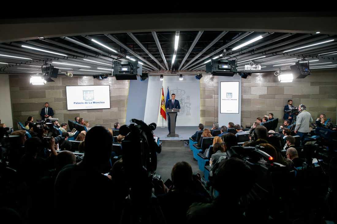 Premiärminister Pedro Sánchez meddelar att Spanien går till nyval 28 april.