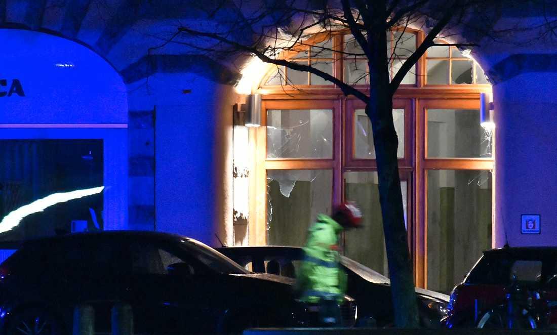 En dörr skadades vid en explosion vid Drottningtorget i Malmö förra fredagen. Nästan en tredjedel av explosionerna i år har ägt rum i Sydsverige.