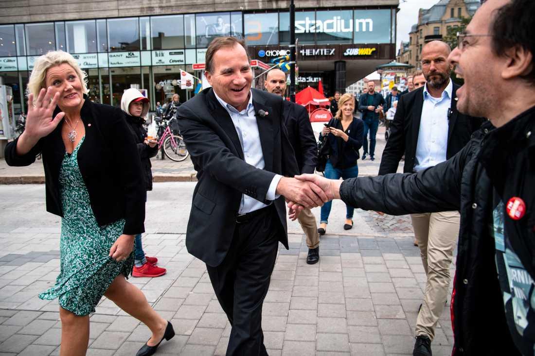 Stefan Löfven och Lena Rådström Baastad i Örebro.