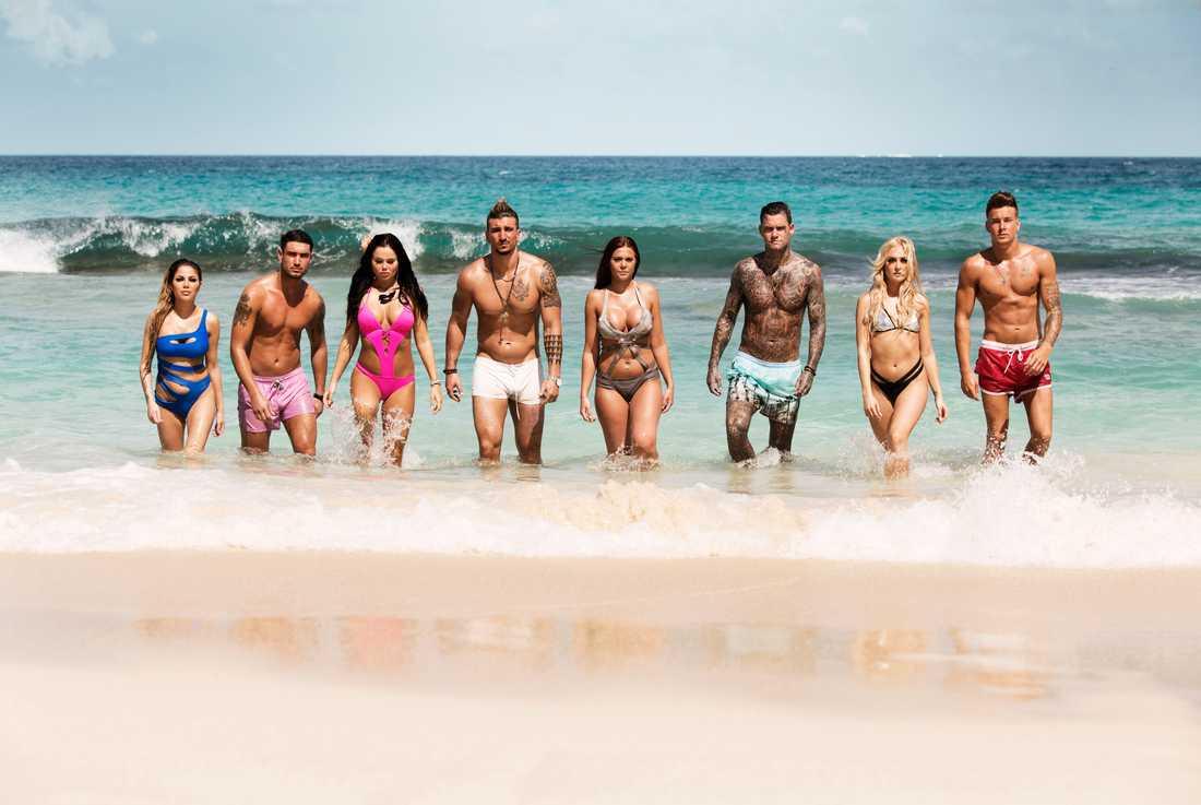 """Årets deltagare i """"Ex on the beach"""": Jasmine, Nenad, Amelia,  Andrijano, Olivia, Kim, Ida och Hampus i """"Ex on the beach""""."""