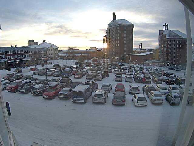 Vid lunchtid syntes solen mitt i Kiruna