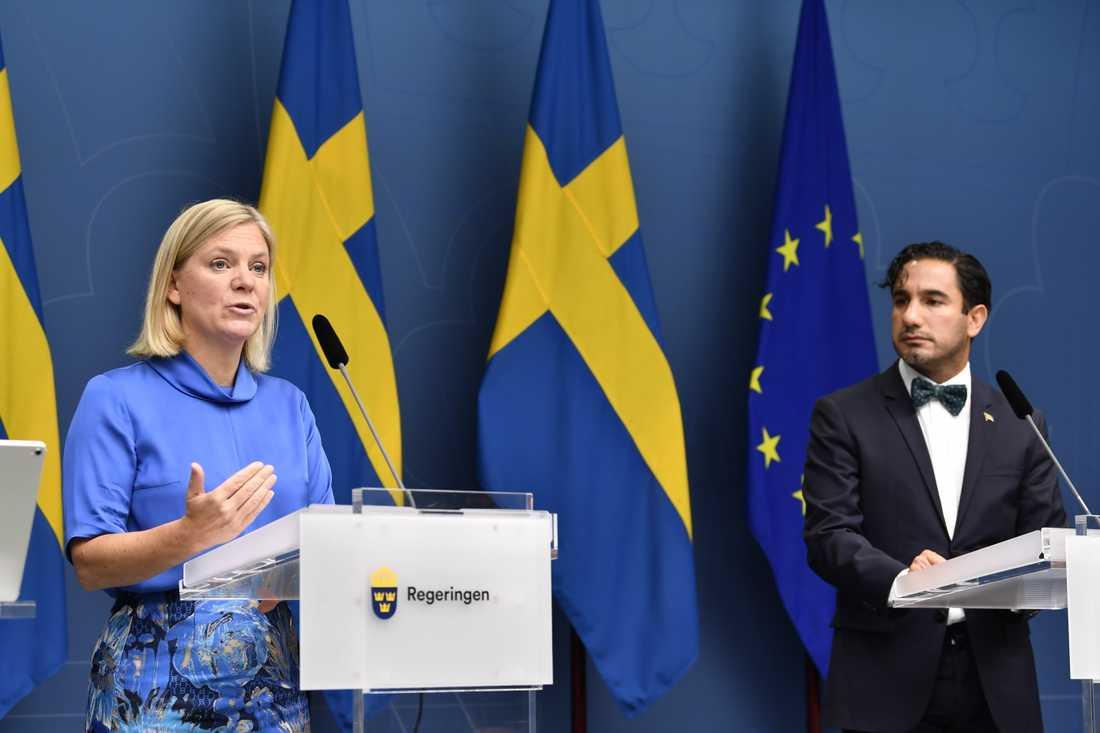 Finansminister Magdalena Andersson och socialförsäkringsminister Ardalan Shekarabi presenterade under fredagen ett förslag om höjda pensioner och sänkt skatt för pensionärer.
