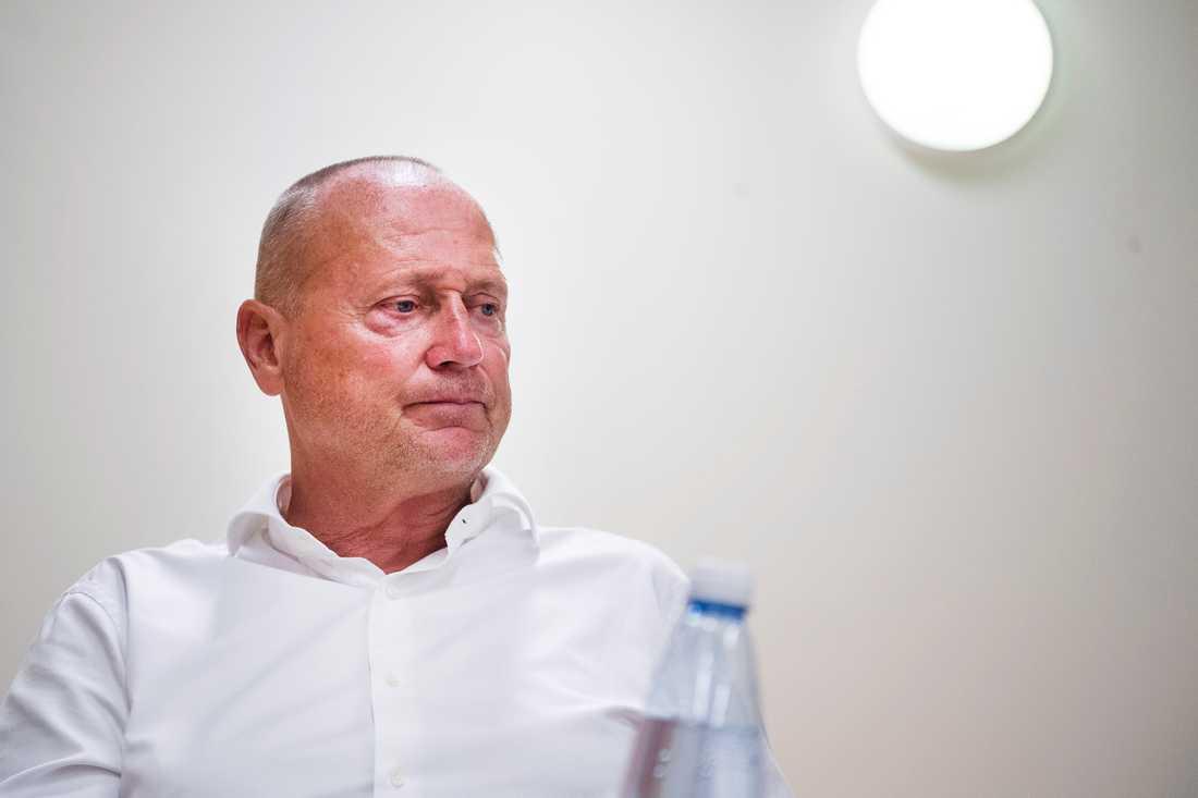 Sören Åkeby får sparken från Östersund