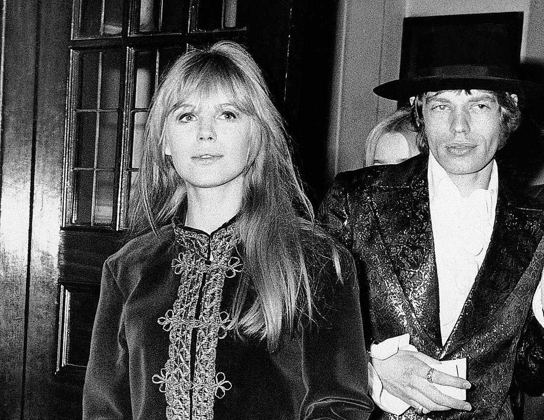 Marianne Faithfull tillsammans med Mick Jagger, februari 1967.