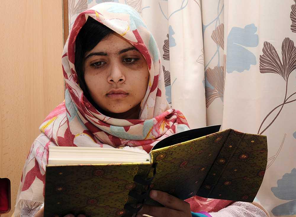Hon flögs till Storbritannien för specialistvård. Hon har återhämtat sig och börjat skolan i Birmingham, där familjen bor tills vidare.