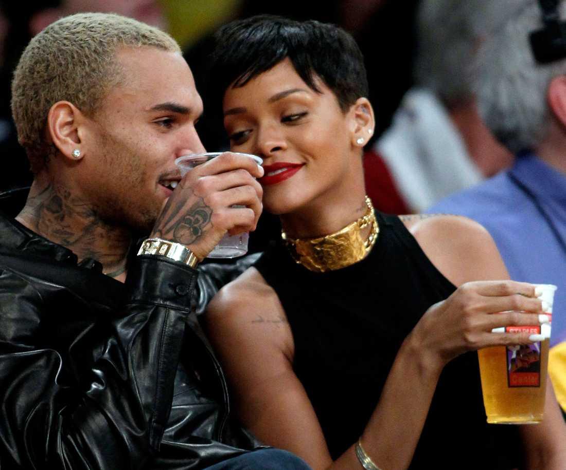 Chris Brown och pojkvännen Rihanna är ett par igen.