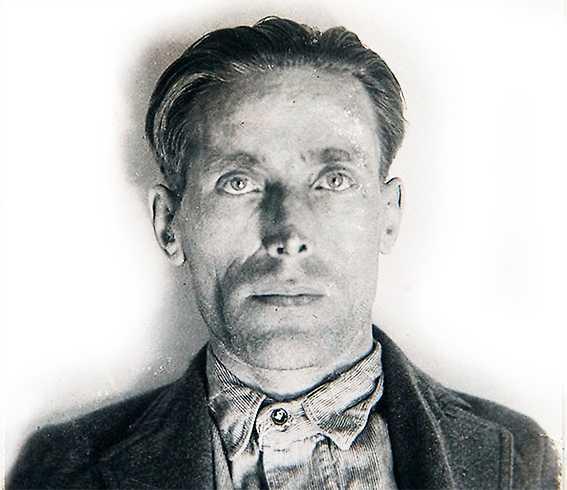 inte bara aktivist Joe Hill, född Joel Hägglund, emigrerade från Gävle till USA 1902 och blev snabbt en av arbetarrörelsens viktigaste sångförfattare. Han dömdes till döden för mord och avrättades för 100 år sedan i dag.