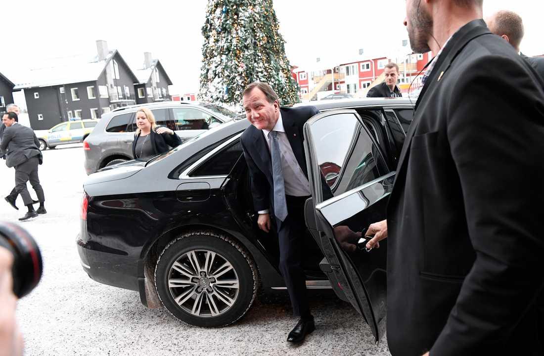 Statsminister Stefan Löfven anländer till Folk & Försvar.