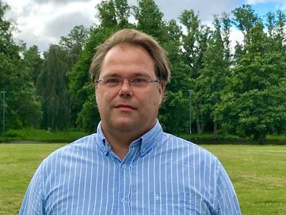 Torbjörn Adolfsson, vatten- och avfallschef vill att vi ska lägga det använda toalettpapperet i soporna.