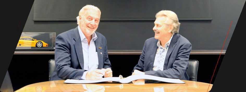 TVR:s ordförande Les Edgar samt designern Gordon Murray.