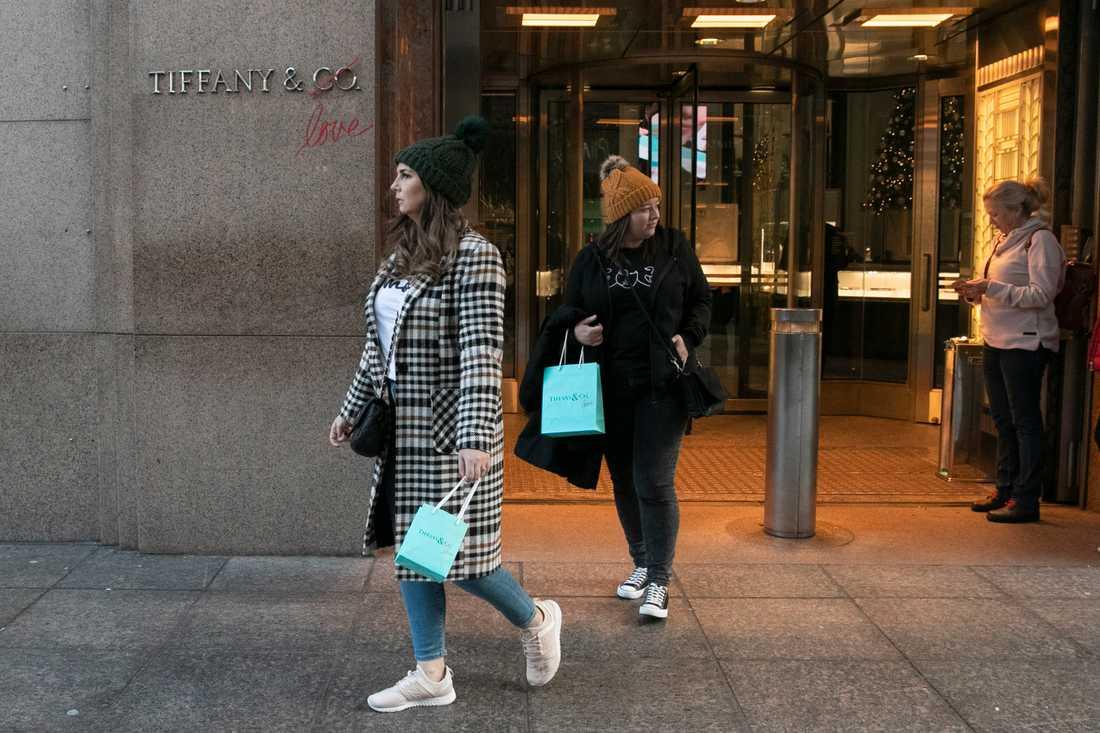 Många turister har besökt Tiffanys flaggskeppsbutik på Femte avenyn. Men nu har butiken flyttat. Arkivbild.