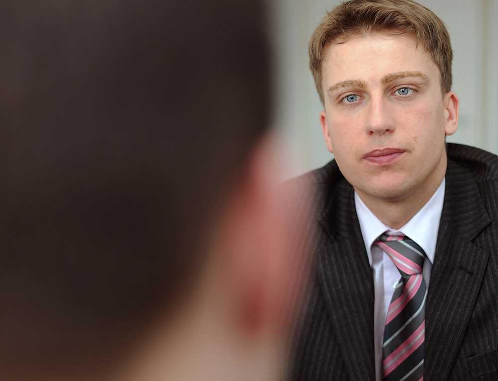 Män föredrar att kalla andra män på arbetsintervju, visar ny svensk studie.