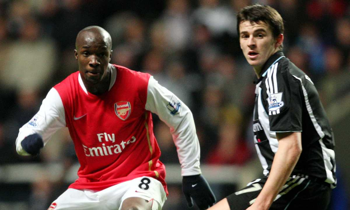 Diarra under tiden i Arsenal.