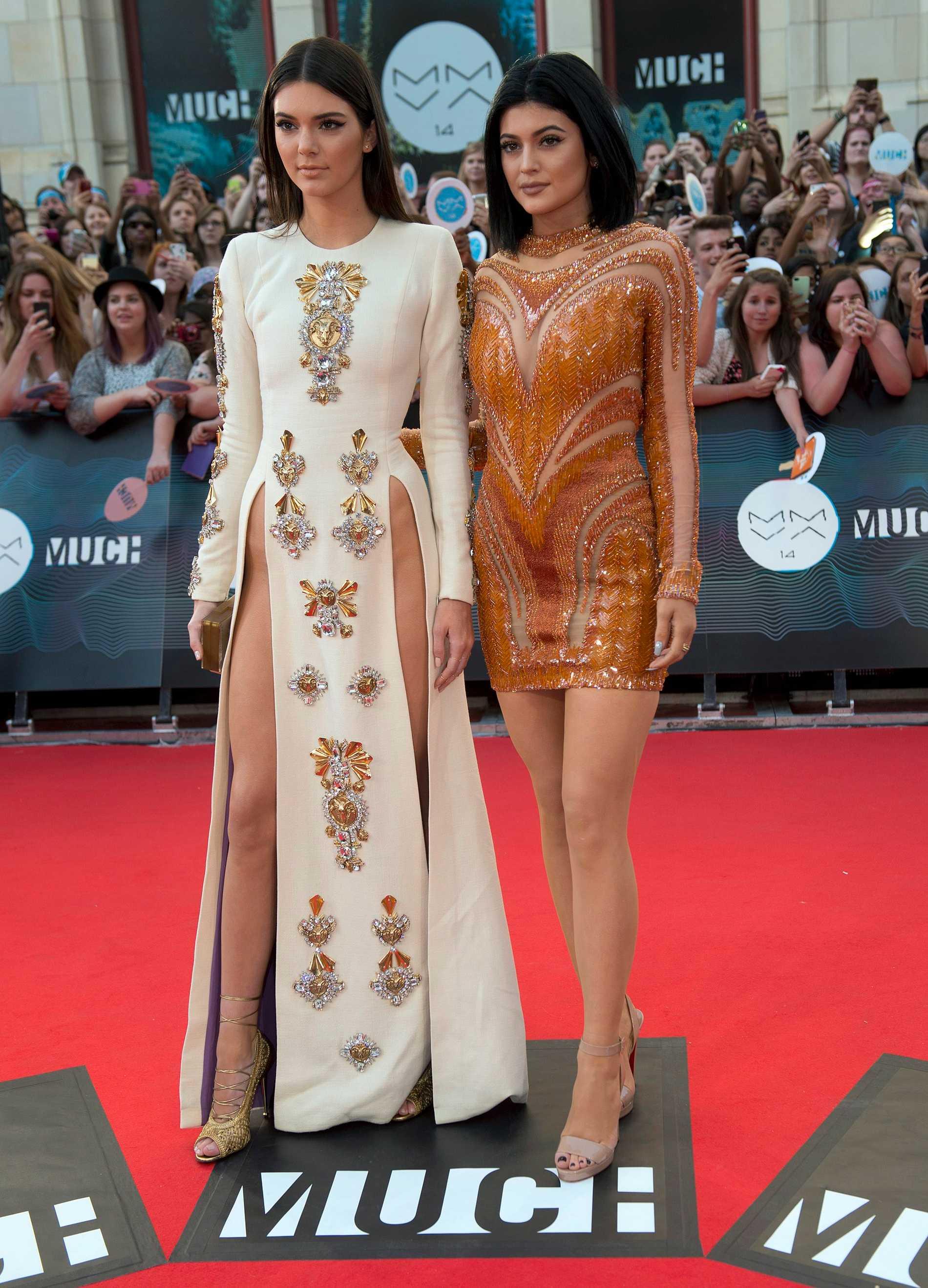 Kendall (tv) och Kylie på Muck Music Video Awards i Kanada
