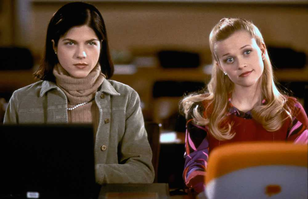 "Selma Blair och Reese Witherspoon i klassikern ""Legally blonde"""