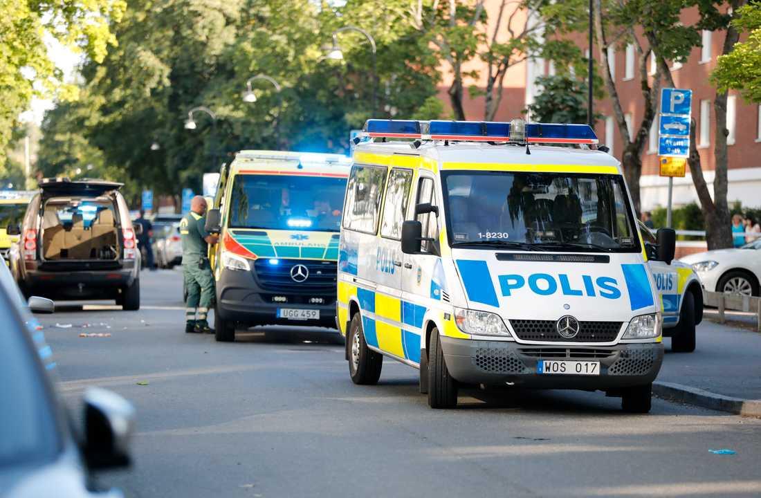 Flera ambulanser kallades till Sollentuna.