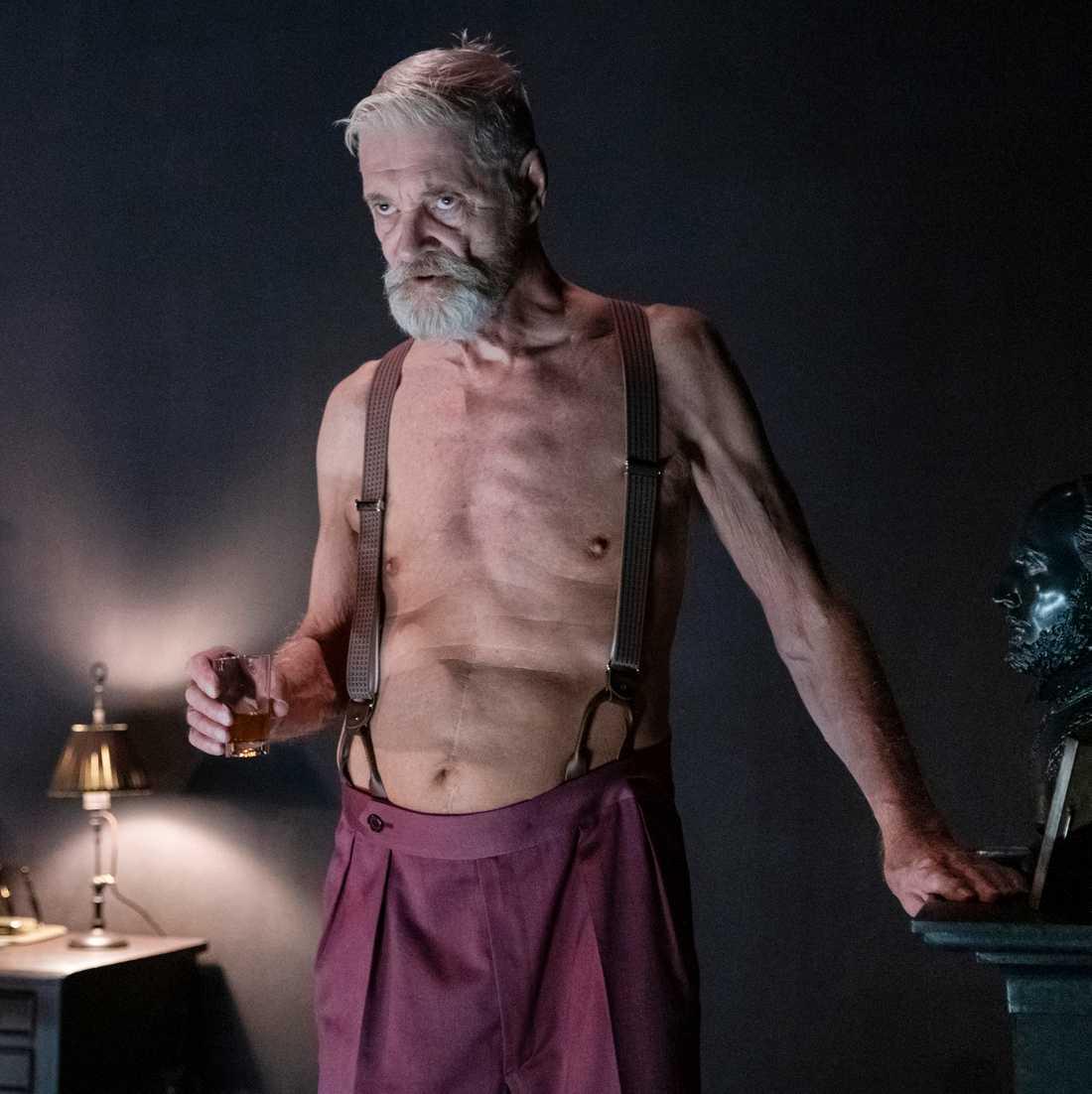 """Claes Månsson i """"Lång dags färd mot natt"""" på Göteborgs stadsteater."""