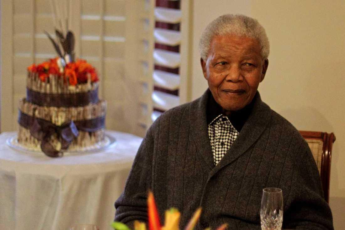 18 juli 2012. Mandela firar sin 94:e födelsedag tillsammans med sin familj i hemmet i Qunu, Sydafrika.