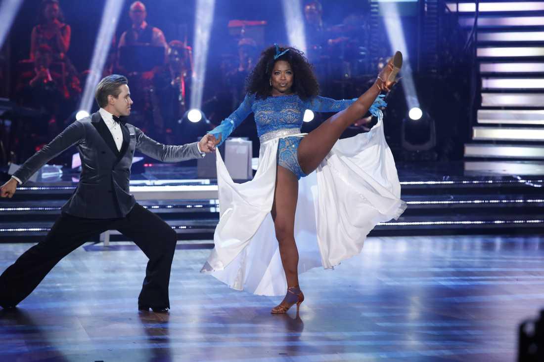 """LaGaylia Frazier & Tobias Baders """"Sex and the city""""-dans räckte inte för att stanna kvar i tävlingen."""