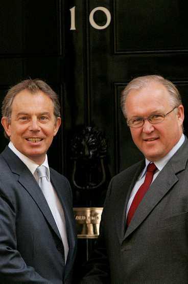 STÖDER VARANDRA Tony Blair och Göran Persson utanför 10 Downing Street i går. De bägge har funnit varandra i EU-frågor.