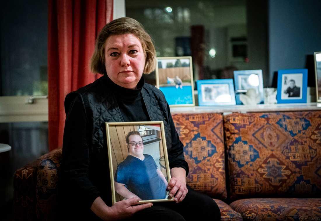 Katarina Söderberg, mamma till Eric Torell, 20, som sköts ihjäl av polisen 2018. Eric, som hade Downs syndrom, hade rymt hemifrån.