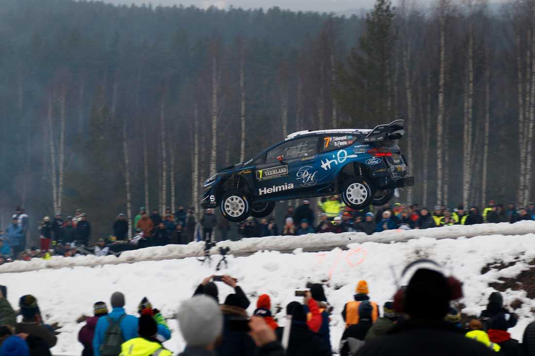 Den spektakulära Vargåsensträckan med Colins Crest – bilarna hoppar upp emot 40 meter – kommer inte att finnas med under årets rally. Arkivbild.