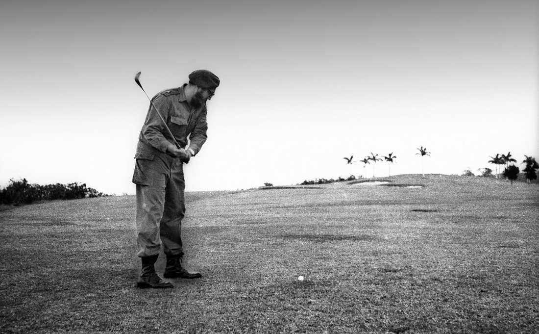 Spelar golf 1960.