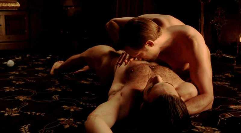 """MUMSIGT Alexander ger den svenska synden ett ansikte som """"Eric Northman i den ständigt nakna vampyrserien """"True Blood"""""""