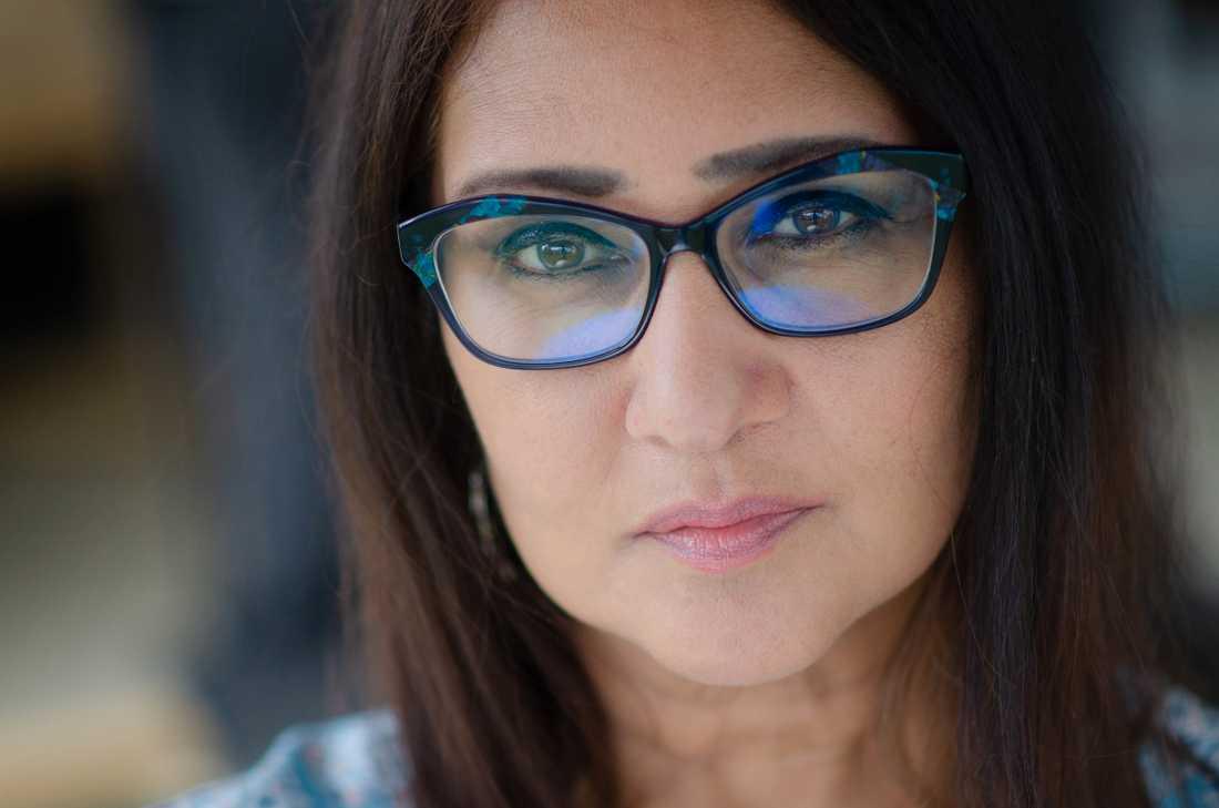 Ananda Devi (född 1957) har ett tjugotal böcker bakom sig, både romaner, noveller och diktsamlingar.