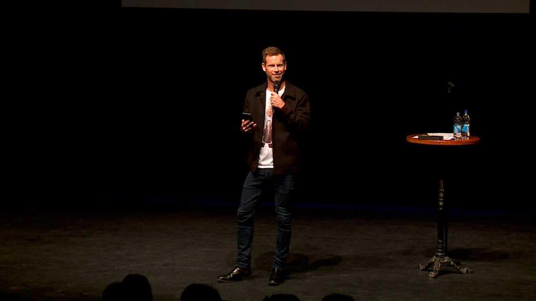 Standupklubben Raw comedy club, med grundaren Mårten Andersson i spetsen, kommer tillbaka i höst.