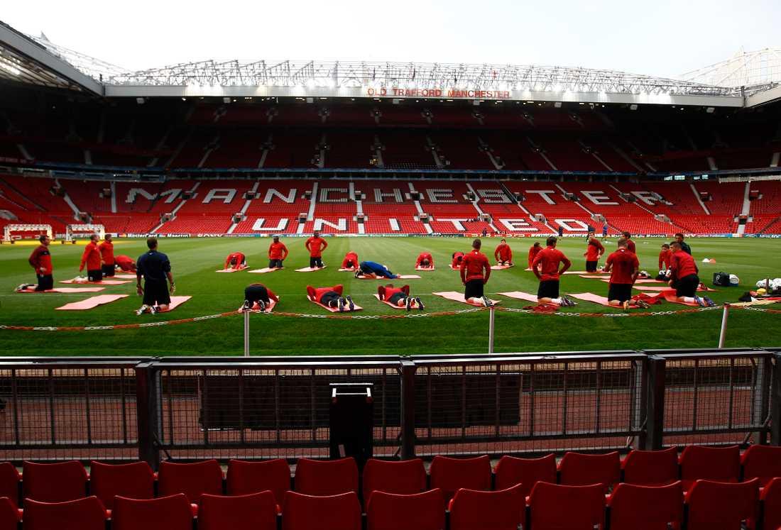 poppis Manchester United toppar listan med antalet anhängare världen över.
