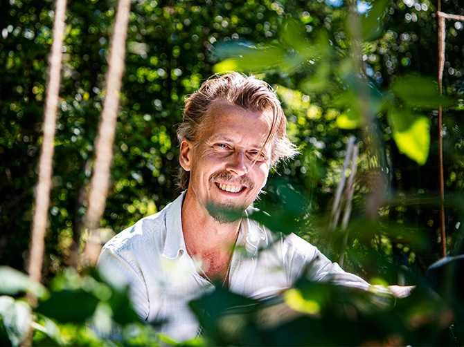 Paul Svensson har under många år vurmat för grönsaker och för att använda fler delar av dem än vad vi vanligen gör – eller törs.