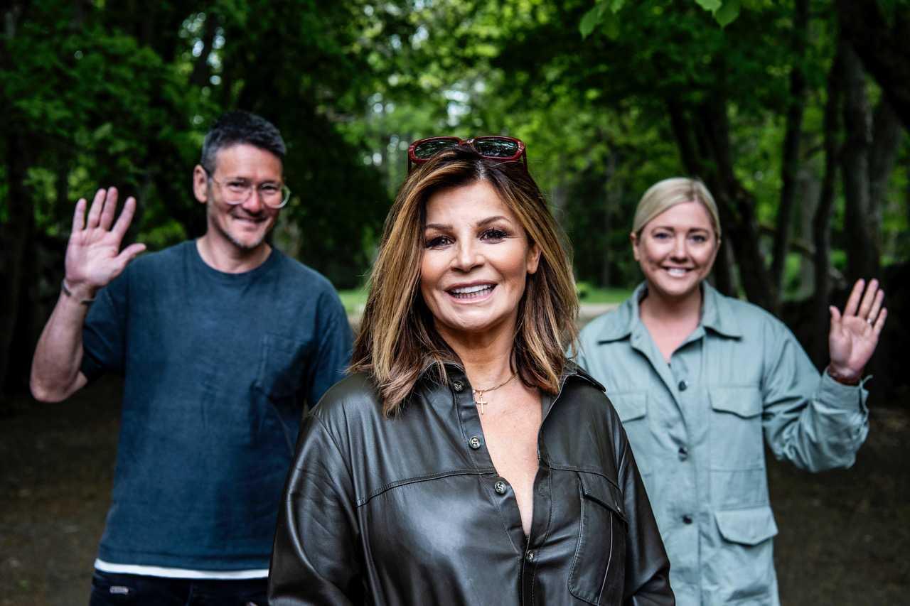 Aftonbladets Hans och Anna Shimoda med Carola.