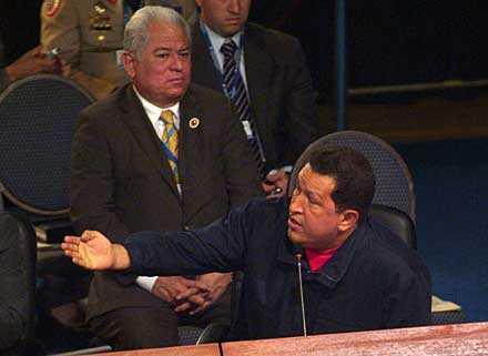 """Hugo Chávez kallade Spaniens förre premiärminister Aznar """"en fascist och en rasist""""."""