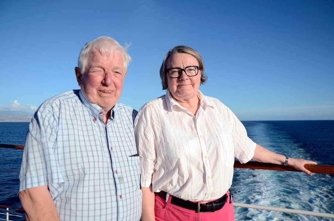Eva och Johannes Schmekel tycker det är trevligare att kryssa på mindre fartyg.