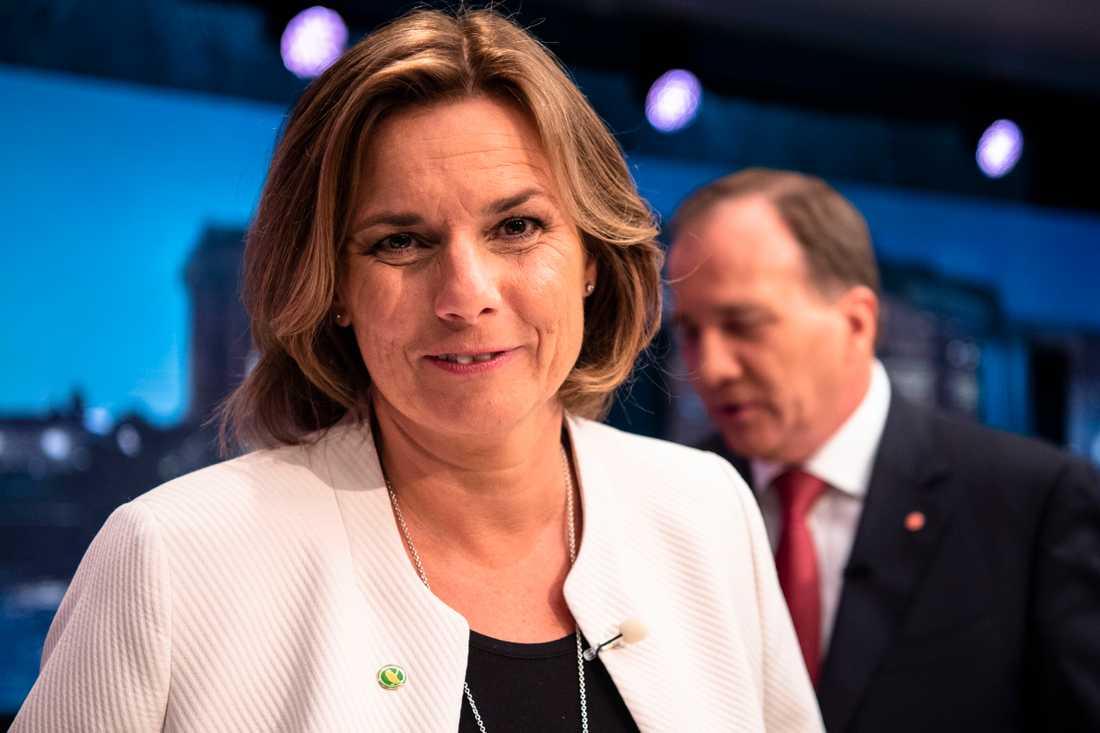 MP:s språkrör Isabella Lövin vill vika 100 miljarder till att hejda artutrotning och skapa ett hållbart jordbruk inom EU.