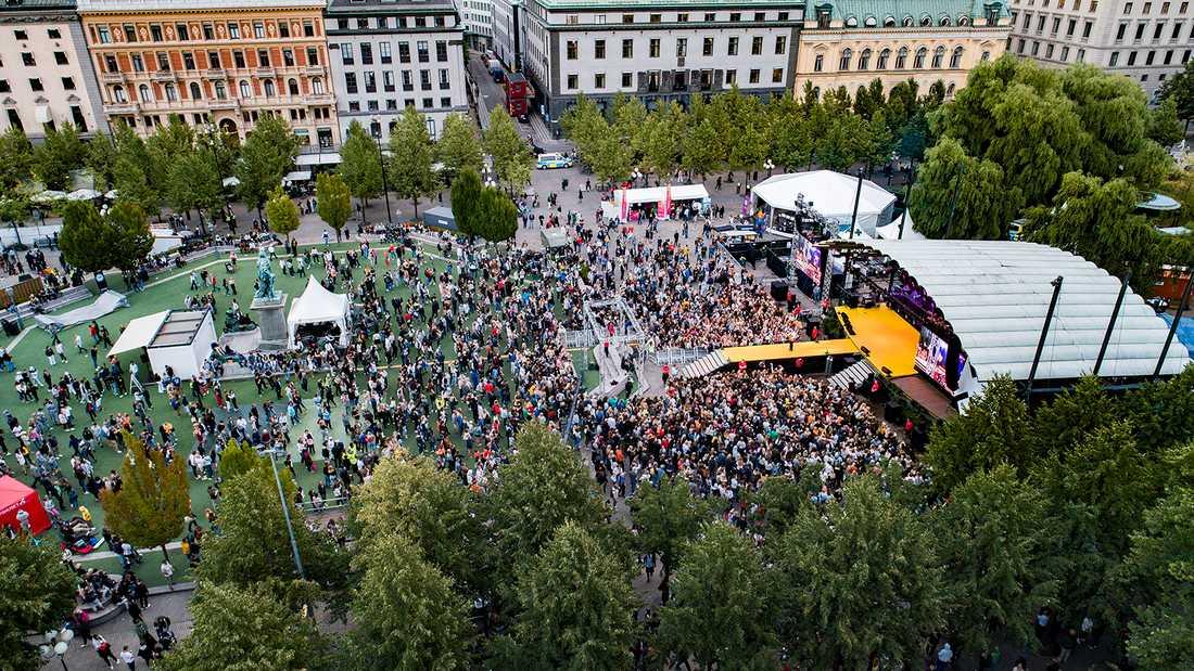 Rockbjörnen-galan arrangeras i år den 13 augusti, som vanligt i Kungsträdgården i Stockholm. Så här såg det ut där i fjol.