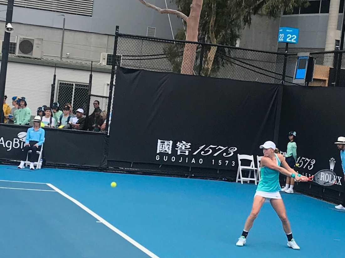 Johanna Larsson förlorade mot Paula Badosa från Spanien.