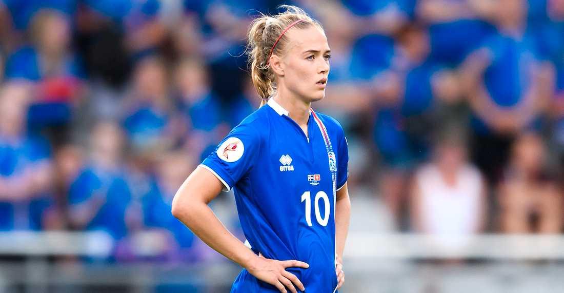 Dagný Brynjarsdóttir gjorde tre mål när Island slog Lettland med 9–0. På tisdag möter de Sverige.