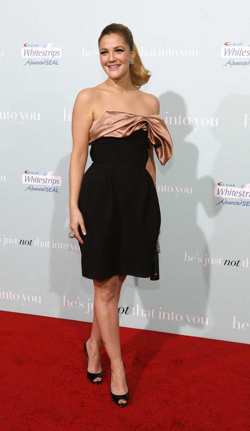 Drew Barrymore valde en klassisk look från Lanvin.