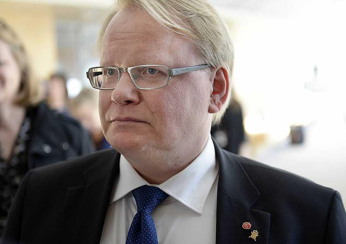 Försvarsminister Peter Hultqvist (S) har mottagit ett brev från USA:s försvarsminister med begäran om hjälp mot IS.