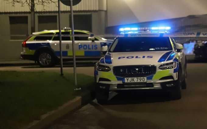 Ett stort pådrag skickades ut till adressen i Rinkeby.