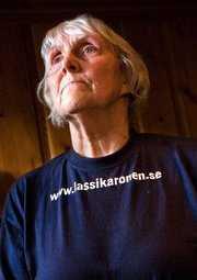 Margareta Karonen: Hur? Jag är pensionär men ville självklart vara med. Skickade slanten genom Läkare utan gränser. 100 kronor blev det. Varför? Konstig fråga. Det känns SÅ angeläget.