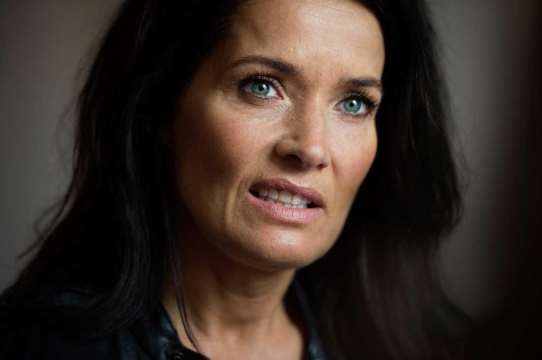 Agneta Sjödin vårdas på sjukhus efter olyckan.