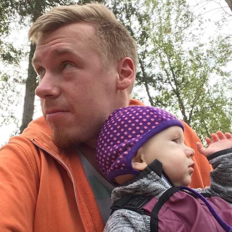 Christoffer Magnerholt, 32, och dottern Joséphine Magnerholt, tio månader.
