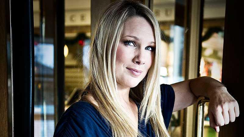 Anna Brolin får stora lovord av sin kollega Rickard Olsson.
