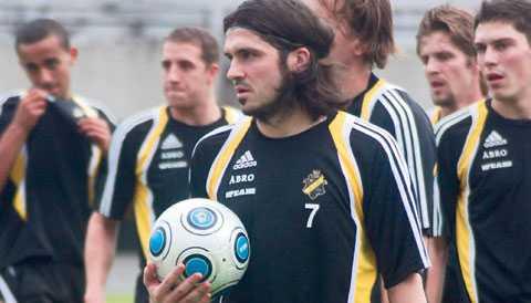 Självsäker Får AIK behålla de spelare som är kvar blir det en ny framångsrik säsong, menar Bojan Djordjic, som i?går tränade med AIK under träningslägret i Singapore.